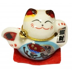 Miniature Lucky Cat
